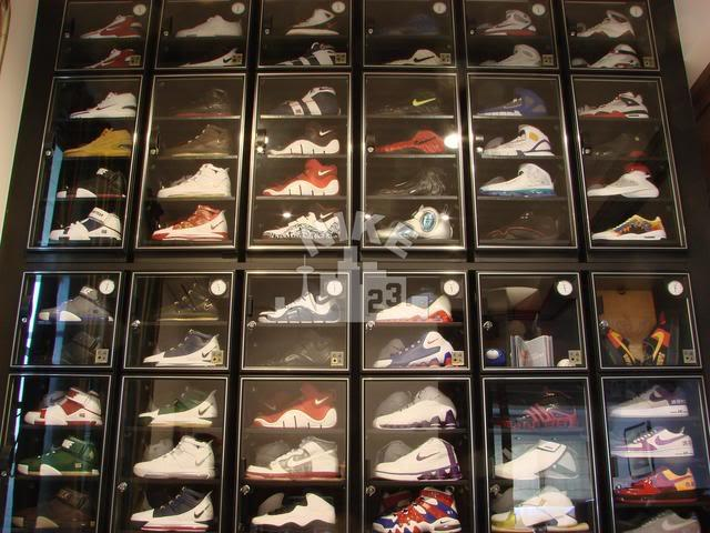 Nike Shoe collection in Eureka Dry Tech Auto Dry Box