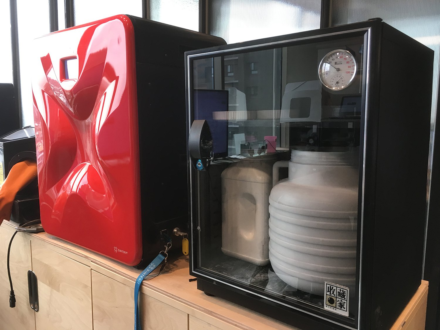 Filament storage in a humidity controlled environment is a must